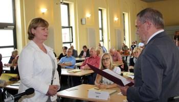 Landrätin Martina Schweinsburg vereidigt