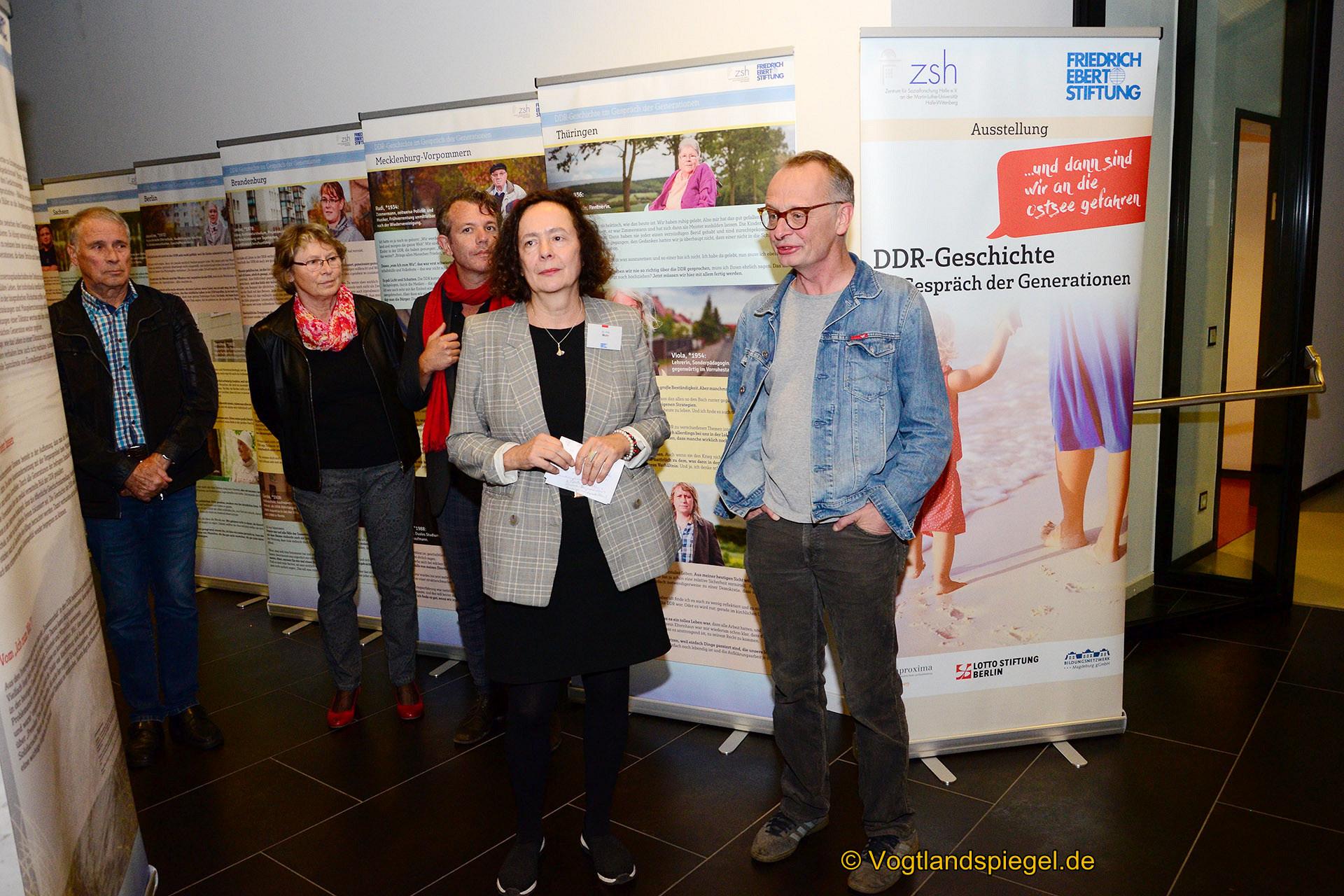 """Vogtlandhalle Greiz: Eröffnung der Ausstellung """"....und dann sind wir an die Ostsee gefahren"""""""