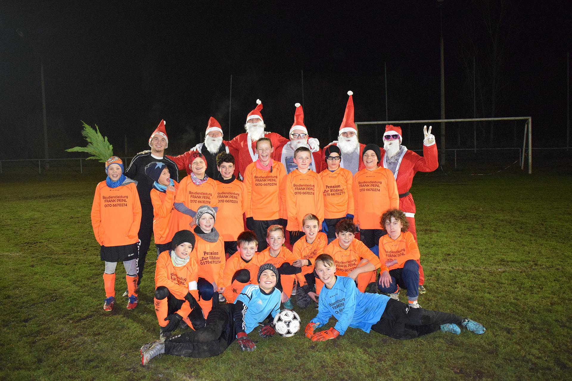 FSV Mohlsdorf: D-Jugend gewann haushoch gegen die Rotmäntel