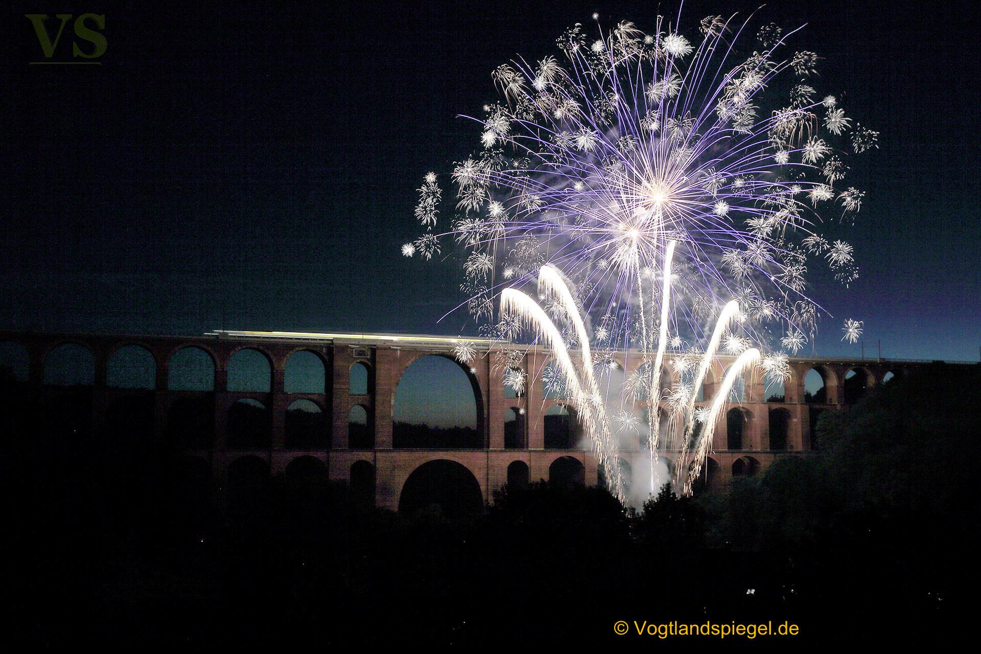 """Feuerwerk zum Abschluss der Veranstaltung """"Rock Classics"""" begeistert tausende Zuschauer"""