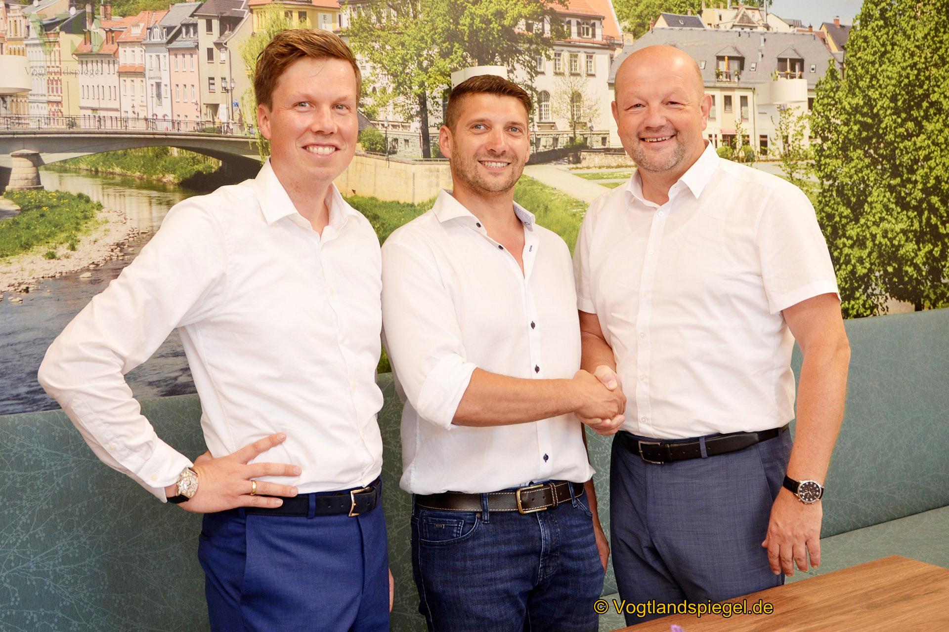 Zur Eröffnung - v.l. Dr. Kilian Lange, Sebastian Sommerfeld und Bürgermeister Alexander Schulze.