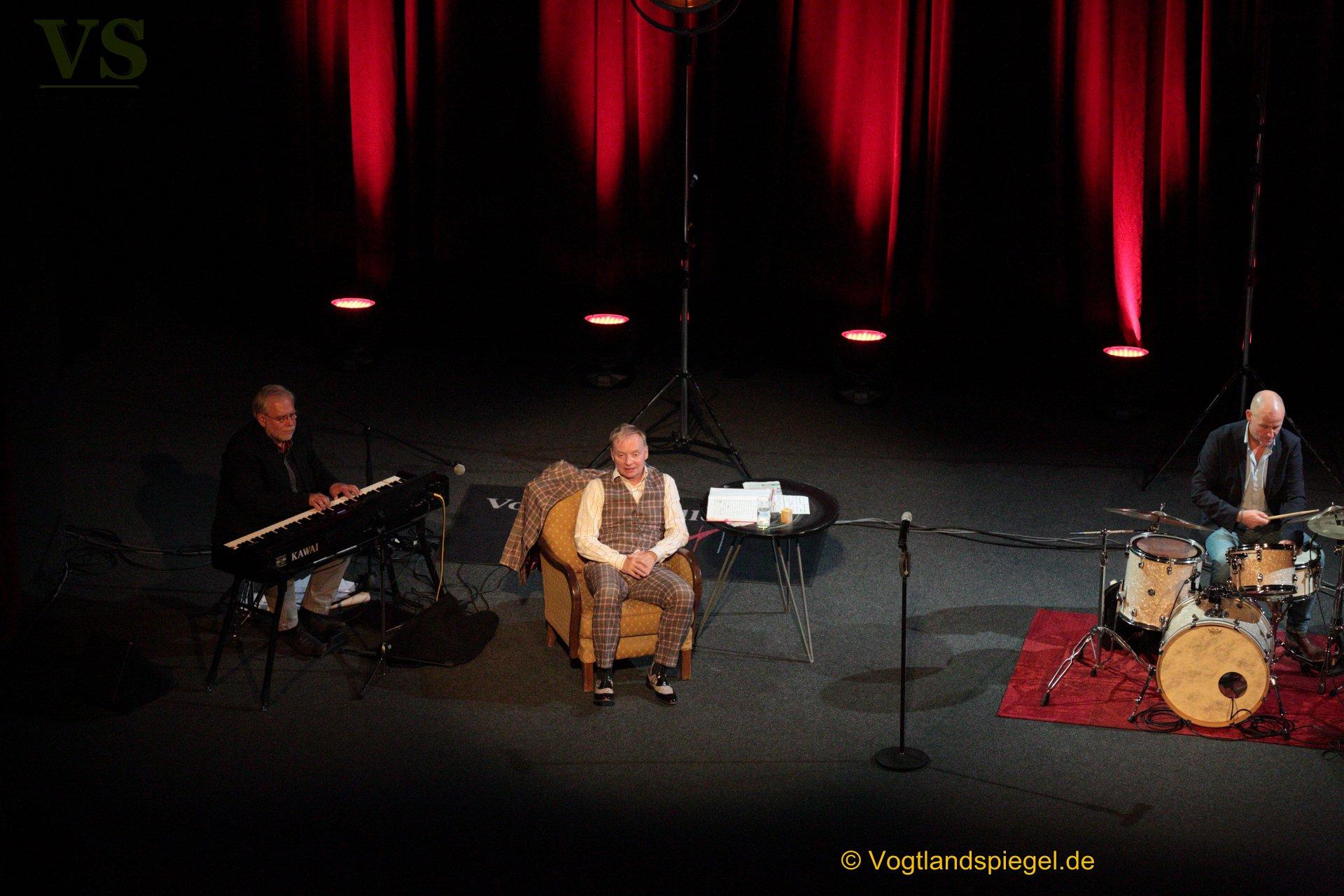 Vogtlandhalle Greiz: Uwe Steimle und Band trafen den Nerv des Publikums.