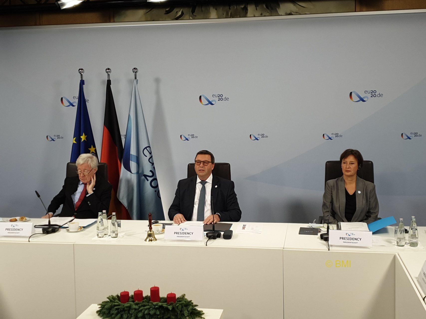 Parlamentarischer Staatssekretär Volkmar Vogel bringt die europäische Territoriale Agenda 2030 zum Abschluss
