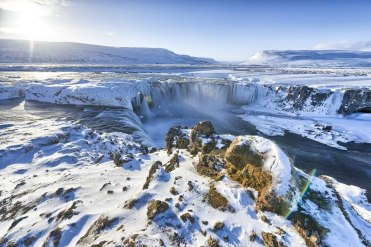 reykjavik-lake-myvatn-adventure_2_godafoss-waterfall---iceland