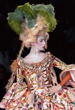 Galliano para Dior, Haute Couture Fall/Winter 2000