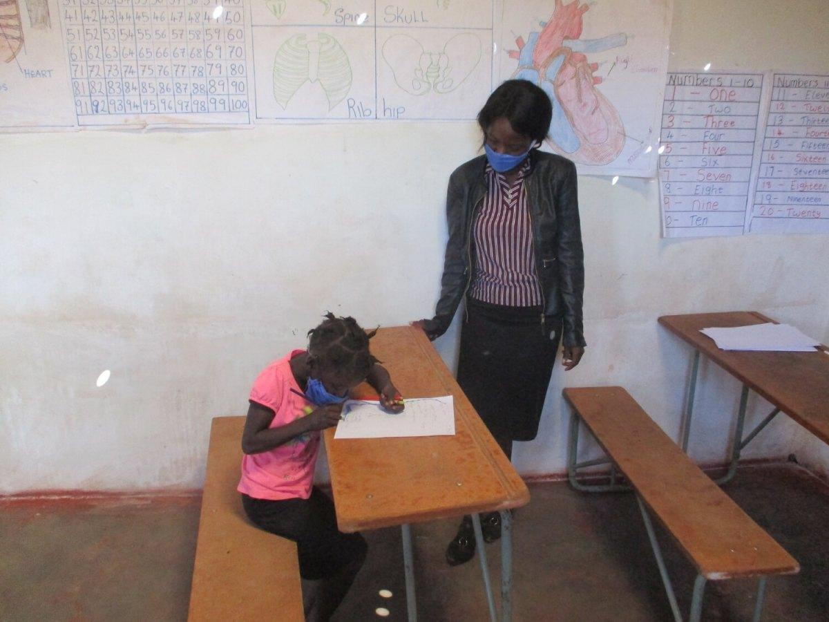 VOH Luongo teacher