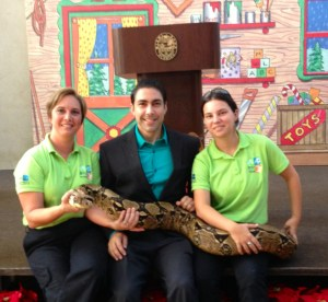 Jesus Salas with Fanny Navarro animal trainer Zoo Miami (former Metro-Zoo)