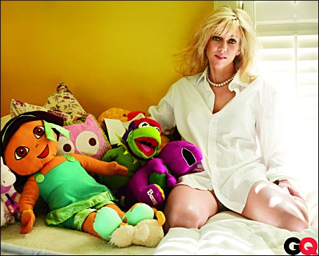 Rielle Hunter Taunts Elisabeth Edward's....Lustful- Pedophile Poses With Babies Toys!!!