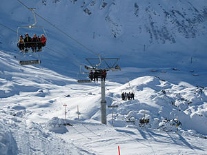 300px-Ski-Lift-03
