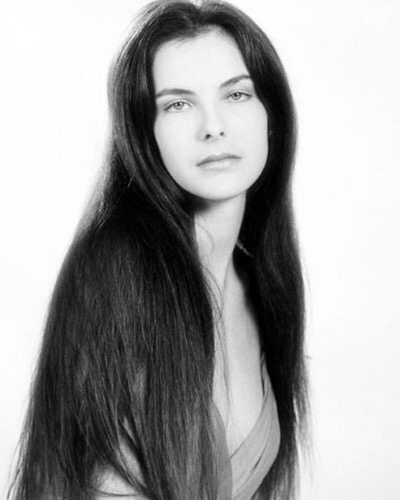 Carole Bouquet.