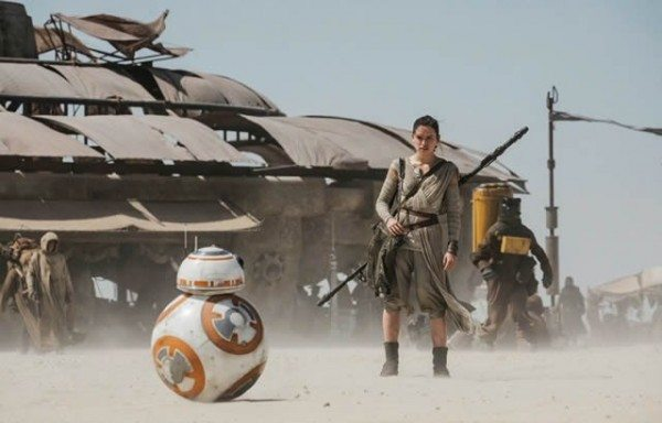 star-wars-7-force-awakens-bb8-daisy-ridley-600x384