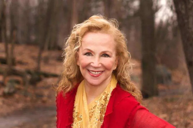 Rutanya Alda, Actress, Author, Writer, The Mommie Dearest Diaries Carol Ann Tells All by Rutanya Alda, Women In Horror Month 2018, WiHM9, WiHM, Interview, Voices From The Balcony, Horror, Horror Actress, Headshot, Rutanya Alda Image, HD, HD Image, AMITYVILLE II THE POSSESSION, THE DARK HALF, THE DEER HUNTER,