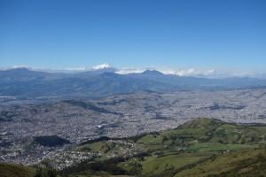 Quito devant le Cotopaxi