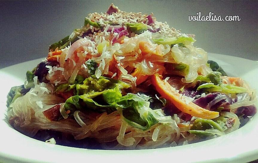 vermicelli-fideos-cristal-pasta-china-verduras-col-repollo-boniato-salsa-tamari-aguacate-sesamo-coco-rallado