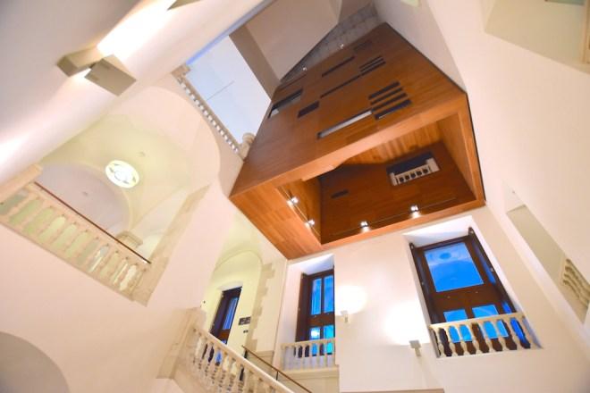 escaleras palacio aduana museo de málaga