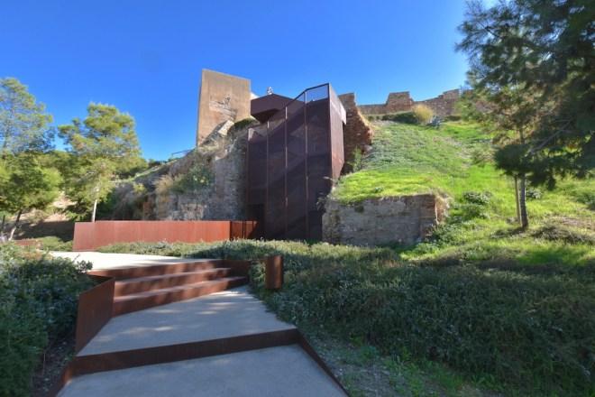 escalier mirador belvedere malaga alcazaba