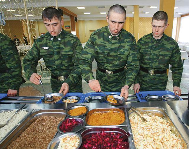 доверила профессионалам фото шведских столов в армии из-за пандемии