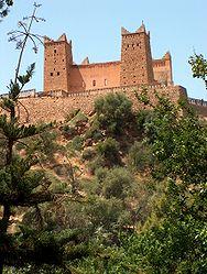 https://upload.wikimedia.org/wikipedia/commons/thumb/4/4e/Fortress_Beni_Mellal.jpg/188px-Fortress_Beni_Mellal.jpg