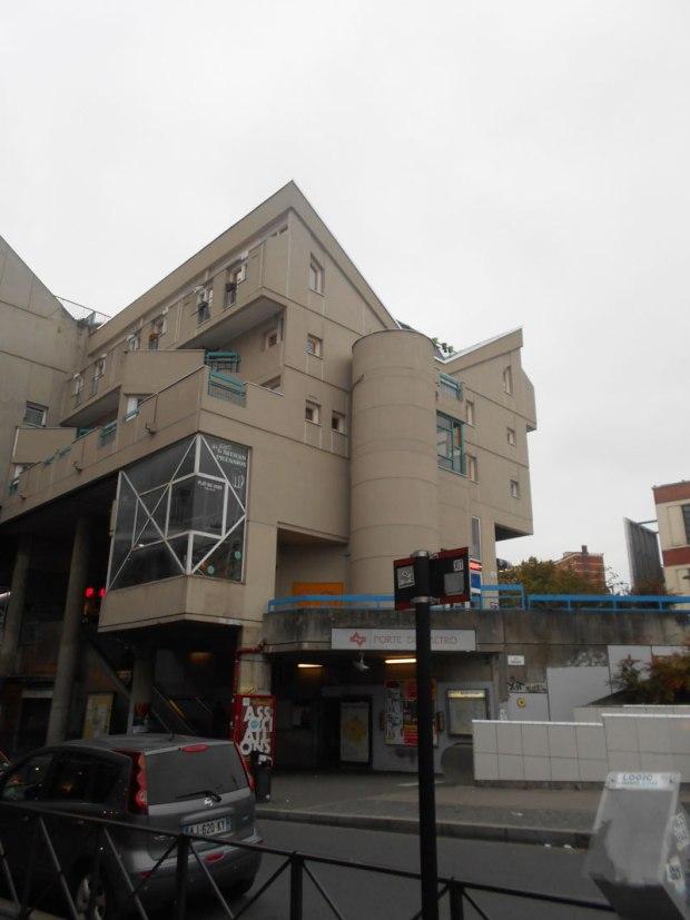 L'ensemble Marat intègre un accès au métro