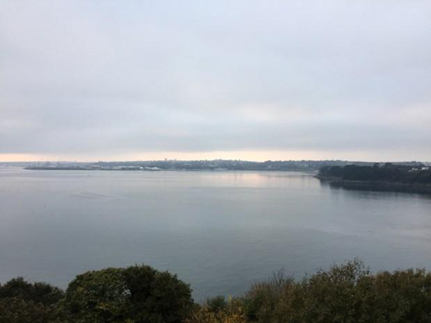 L'arrivée sur Brest, vue depuis l'ancien pont Albert-Louppe