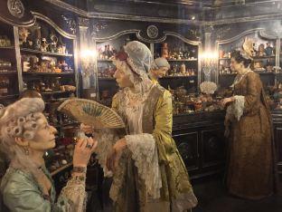 Un autre décor du film Le Parfum : la boutique