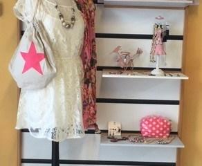 vêtements à la boutique Voisinage de Tyrosse
