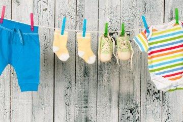 vêtements bébé à la Recyclerie Voisinage