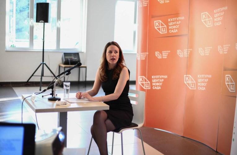 Inspirativno predavanje istoričarke dr Kolaković u KCNS-u