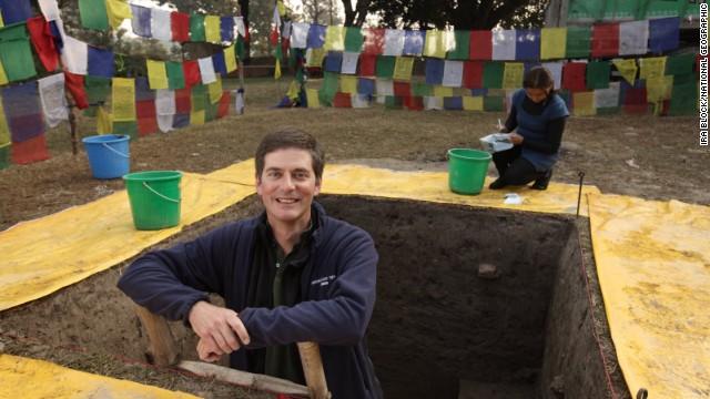 Archaeologist Robin Coningham អ្នកដឹកនាំសិក្សាស្រាវជ្រាវនូវស្ថាបត្យកម្មនេះ ។