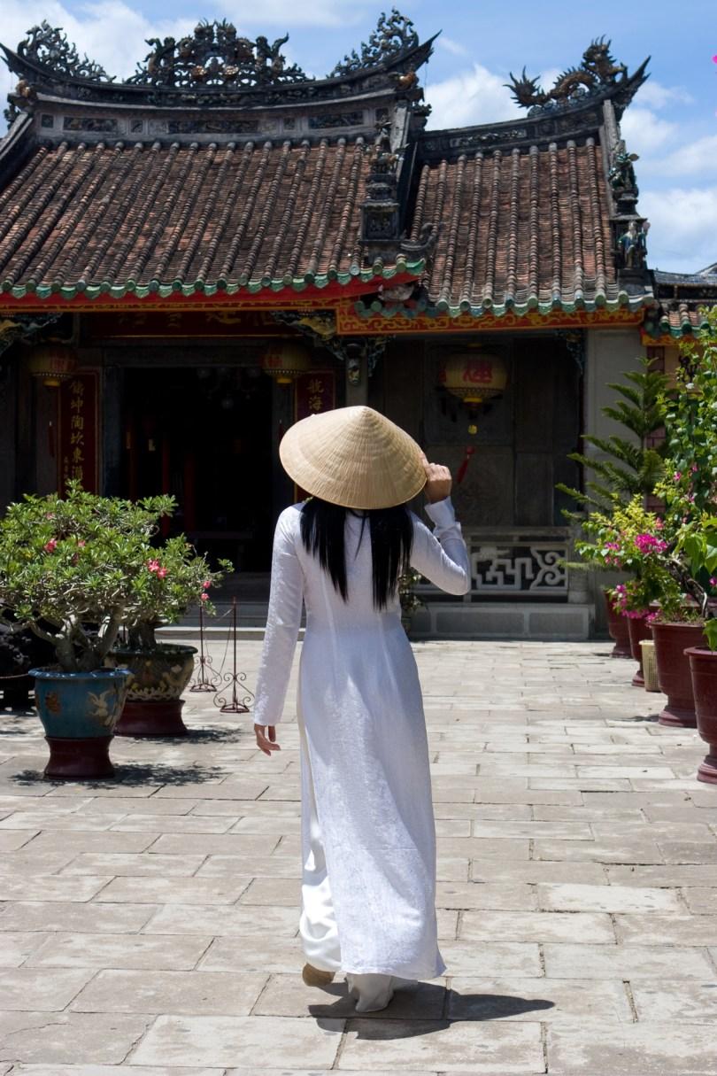 ពាក្យអង់គ្លេសថា Vietnamese មិនមែនប្រែថា ជនជាតិយួន ទេ គឺសំដៅទៅលើពលរដ្ឋវៀតណាម ទាំង ៥៤ ជនជាតិ នៅក្នុងប្រទេសវៀតណាម ។ ចំណែកជនជាតិយួន គេហៅថា ជនជាតិ កិញ ( Kinh ) ឬ ជនជាតិ វៀត (Viet) ; ភាសាអង់គ្លេសៈ ethnic Kinh or ethnic Viet ។
