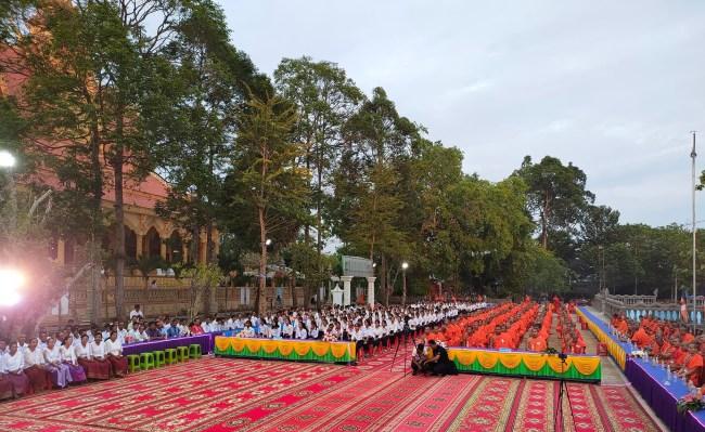 បេក្ខសមណសិស្ស-សិស្ស ៣២៧ អង្គ និងនាក់ នៅក្នុងស្រុកថ្កូវ ខេត្តព្រះត្រពាំង ប្រឡងយកសញ្ញាបត្រពុទ្ធិកមធ្យមសិក្សាបឋមភូមិ ឆ្នាំទី ១ និង ទី ២ ។ រូបៈ ហ្វេសប៊ុក ព្រះតេជព្រះគុណ Khmer Srey Pheap