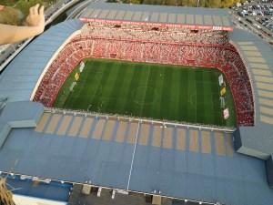 Estadio de futbol El Molinon desde un globo