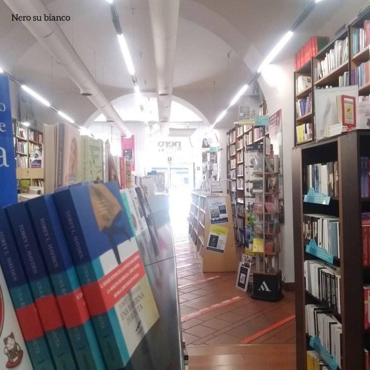 Rotte librarie. Libreria Nero su bianco, Trieste.