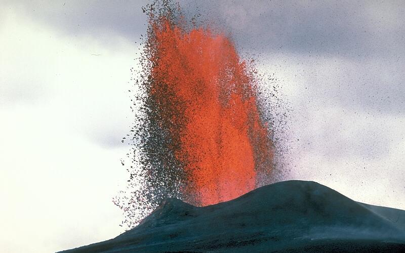 https://i0.wp.com/volcanoes.usgs.gov/Imgs/Jpg/Kilauea/30424305-068_large.JPG