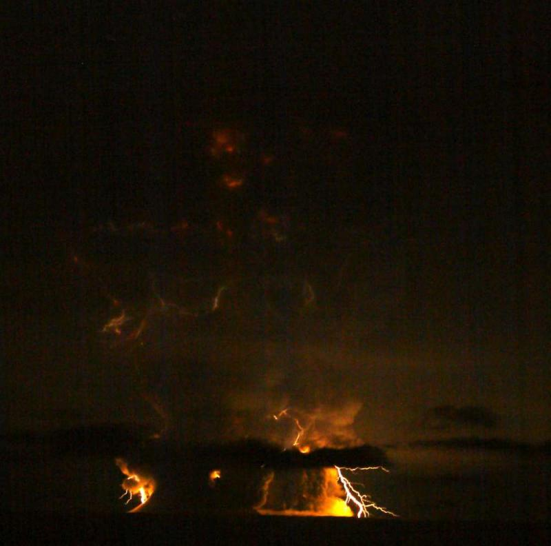 Lightning from Redoubt 11:20 pm, March 27, eruption, courtesy Bretwood Higman.