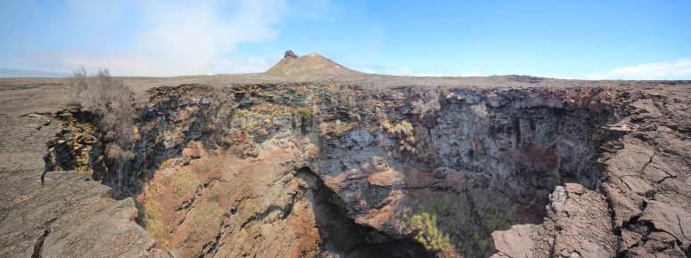 Kau-Desert-Pit-Crater-Edge-Pano