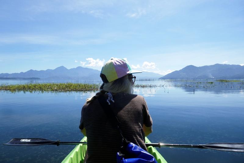 Anete in a kayak on Lago de Yojoa