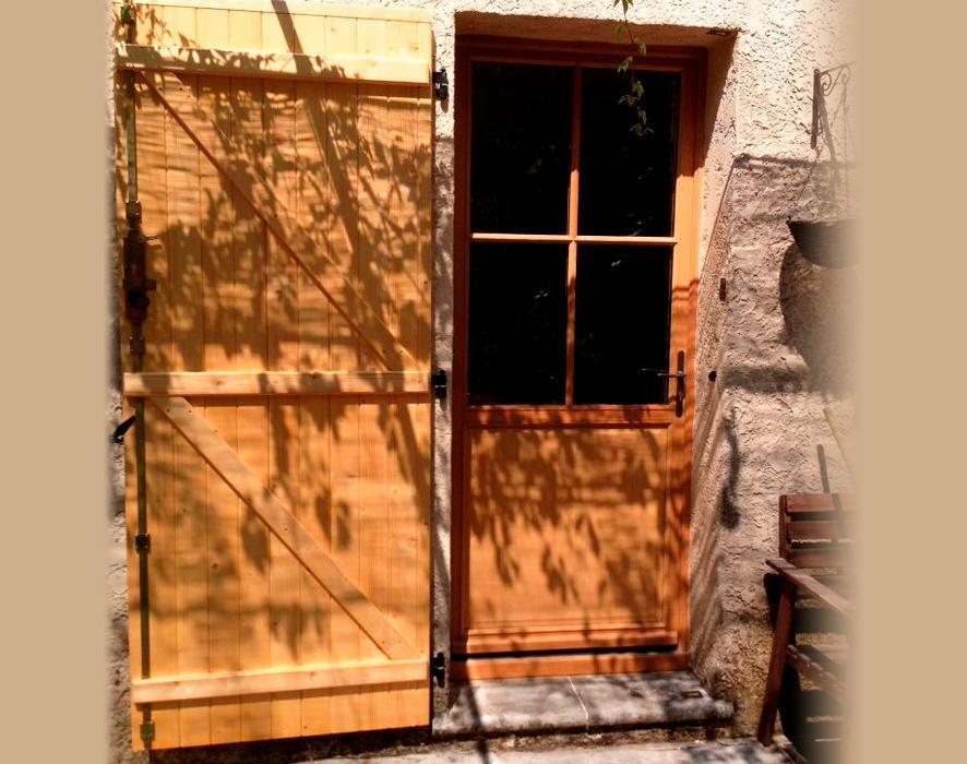 porte de service bois barres et