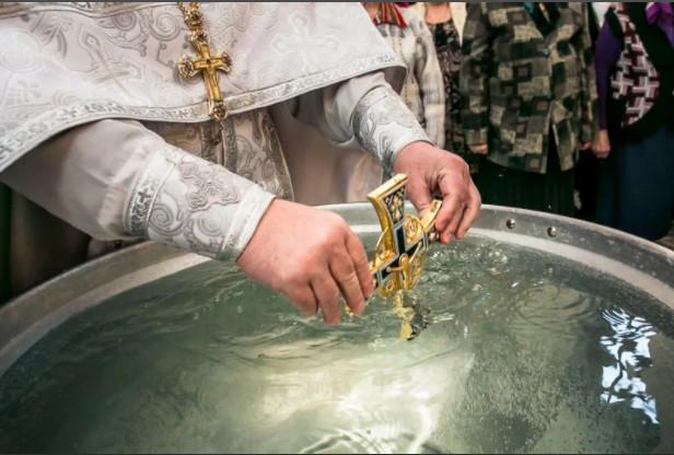 Освящение воды в Никольском монастыре