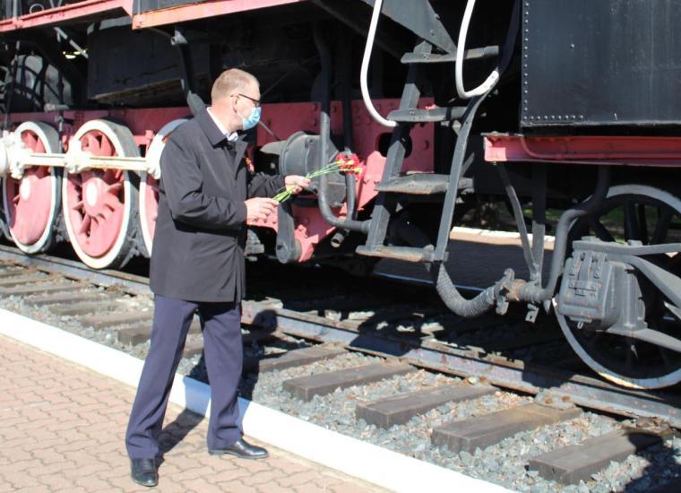 Железнодорожники Волхова почтили память героев Великой Отечественной войны