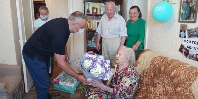 Алексей Брицун поздравил 101-летнего ветерана