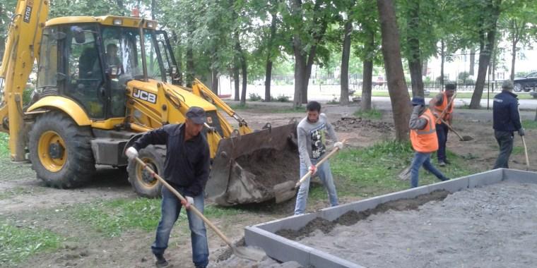 Реконструируют сквер имени Почивалова