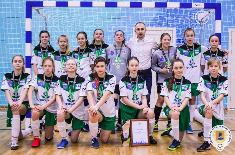 Волховские футболистки вошли в команду сезона