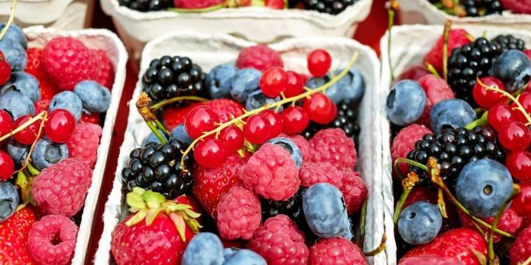 Ленинградцы сдают ягоды