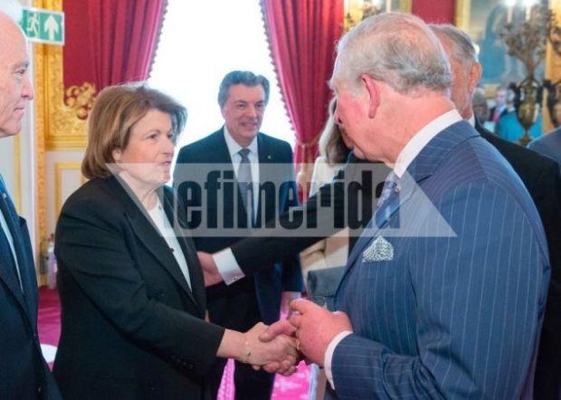 Ο διάδοχος του βρετανικού θρόνου υποδέχεται την Κορίν Μεντζελόπουλος