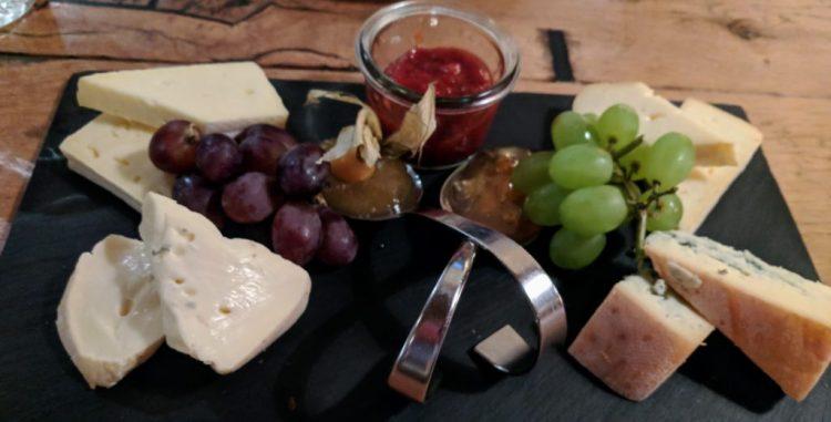 Käseplatte für eine Person im Esszimmer St Peter Ording
