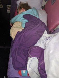 Erstmal ne Runde schlafen - eigene Reihe in der Thai Airways