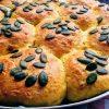 Kürbisbrötchen mit Parmesan & Speck als Brötchensonne