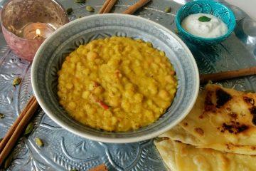 Keoti Dal - gemischtes Dal mit selbgemachtem Roti