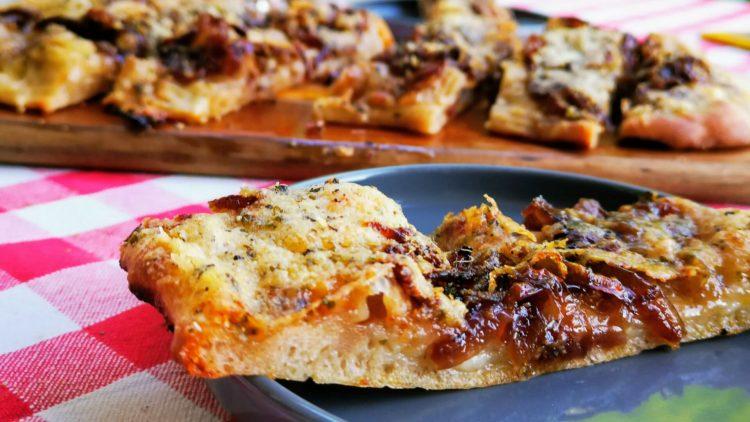 Argentinische Fugazzeta - der Pizza - Focaccia - Zwiebelkuchen Mix